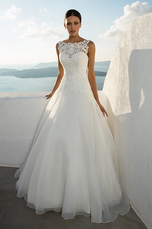 88020 Wedding Dress by Justin Alexander