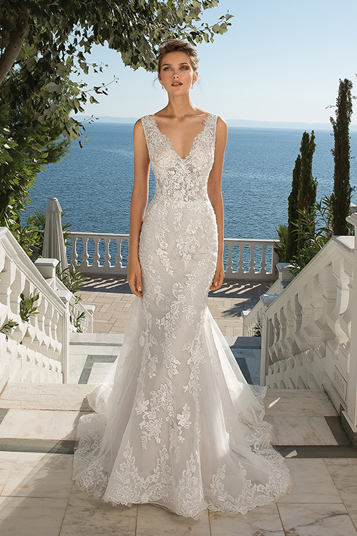 88077 Wedding Dress by Justin Alexander