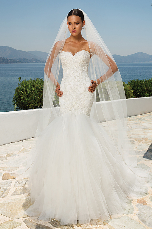 8899 Wedding Dress by Justin Alexander