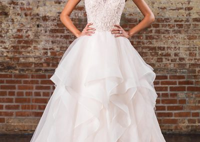 9847-Signature-Wedding-Dress-by-Justin-Alexander